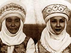 Tolomush Okeyev